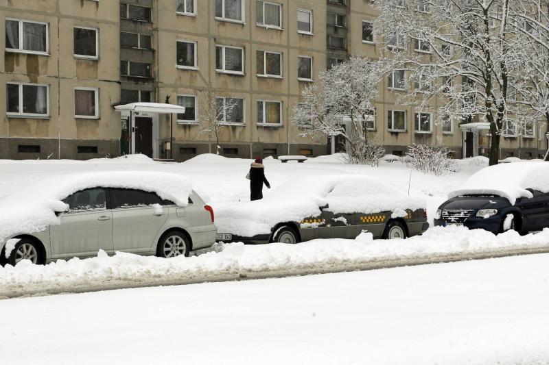 Pusė milijono automobilių Lietuvoje – kelių ir kiemų vaiduokliai
