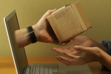 Specialistai: dovanas internetu pirkite atsargiai