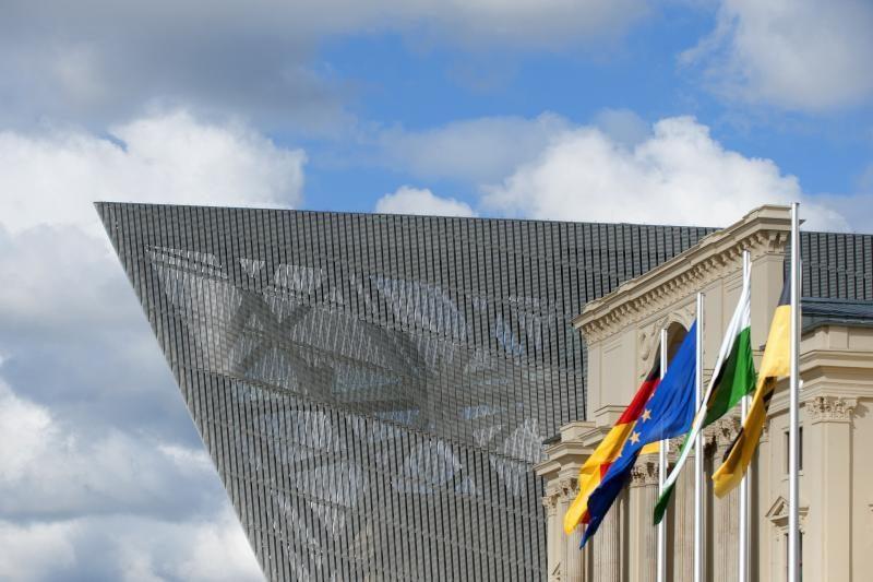 ES patvirtino svarstysianti trilijono eurų biudžetą