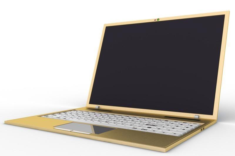 Prancūzijoje pradėti gaminti kompiuteriai iš marmuro, odos ir aukso