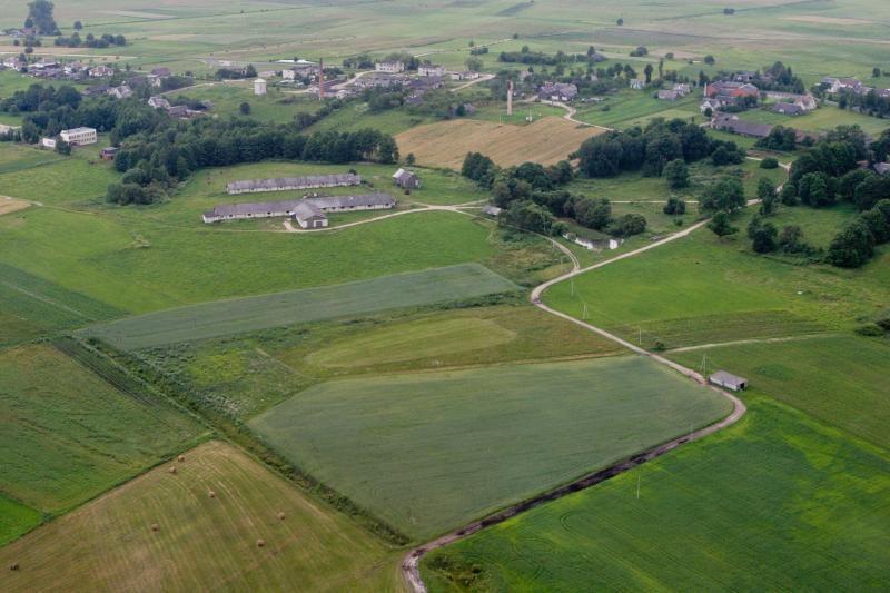 Seimas priėmė rezoliuciją dėl draudimo užsieniečiams pirkti žemę