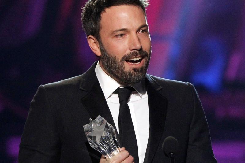 """Kritikų apdovanojimai atiteko B. Affleckui ir filmui """"Argo"""""""