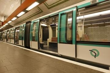 Po Paryžių važinės ekologiškas metro