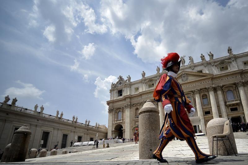 Buvęs popiežiaus liokajus nuteistas pusantrų metų kalėti