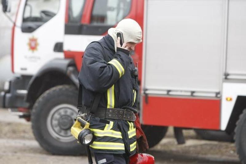 Vilniaus rajone per gaisrą moteris apdegė kojas