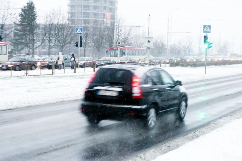 Panevėžio apskrityje keliai slidūs dėl sniego