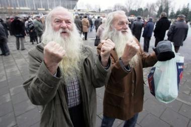 Vyriausybė pirmadienį ieškos lėšų didesnėms pensijoms