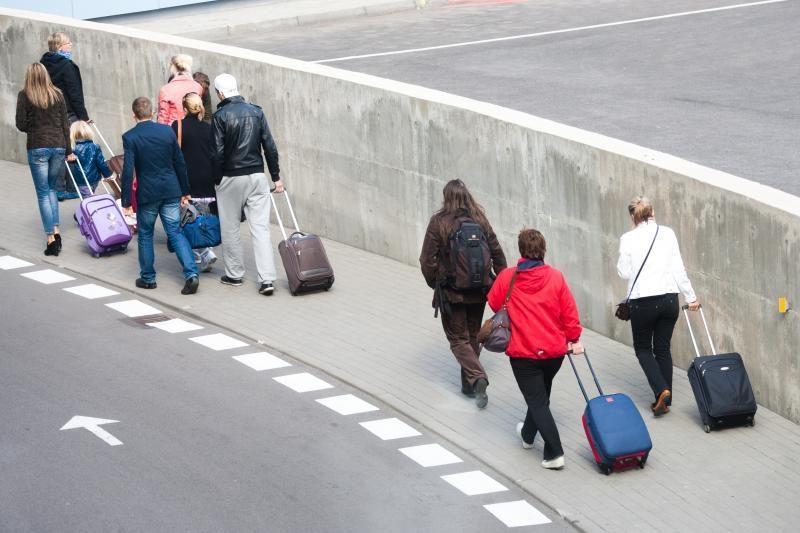 Siūloma leisti dvigubą pilietybę tik emigravusiems į ES ir NATO šalis