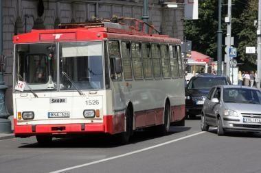 Troleibuse Vilniuje apiplėšta moteris
