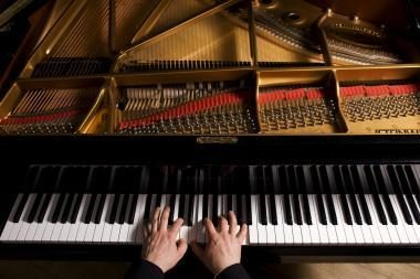 Garsus Rusijos pianistas Tailande apkaltintas pedofilija