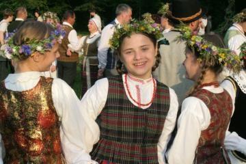 Alytaus rajono gyventojams - politikų rengiamos šokių popietės