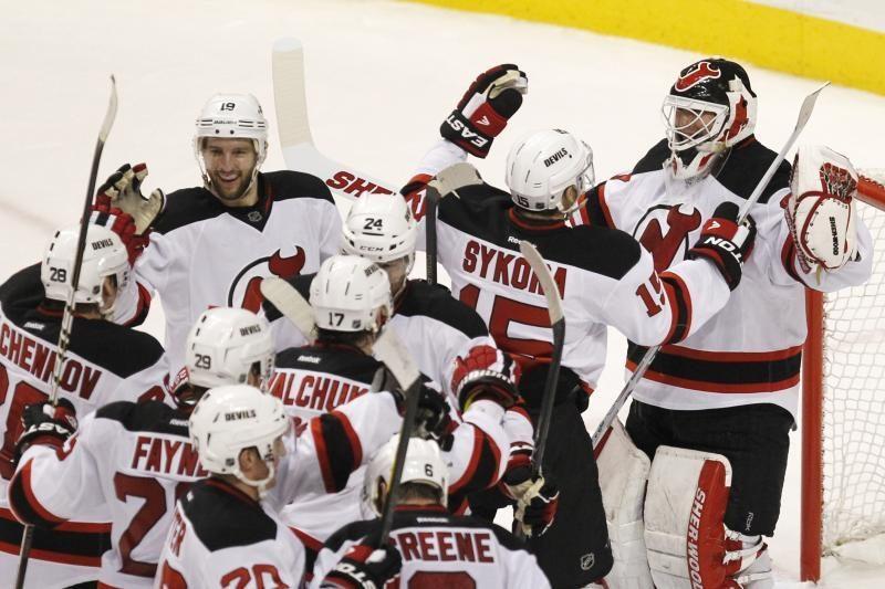 """D.Zubrus atliko rezultatyvų perdavimą, """"Devils"""" - konferencijos finale"""