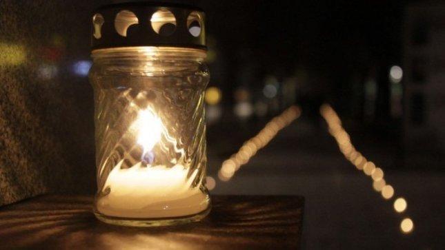 Klaipėdos studentai uždega žvakes ant apleistų, nelankomų kapų