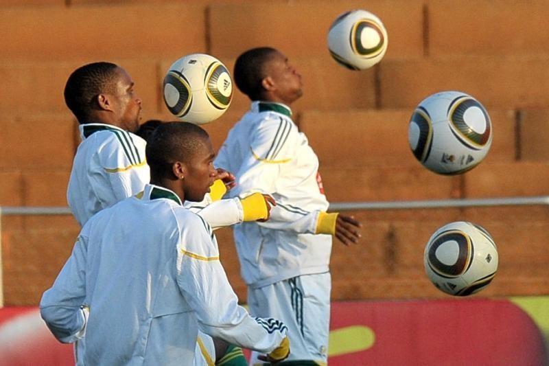 Futbolo pasaulyje – milijardinis pinigų verpetas
