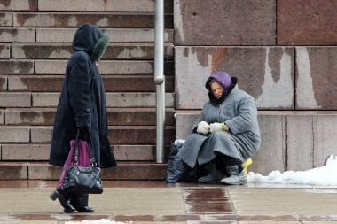 Eurostatas: beveik kas šeštas namų ūkis Lietuvoje skursta