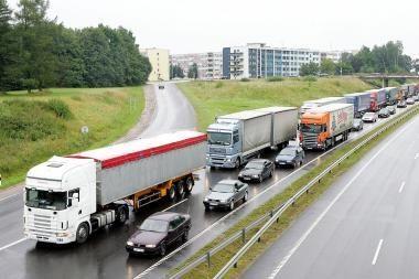 Vežėjams transporto priemonių draudimas vėl gali brangti