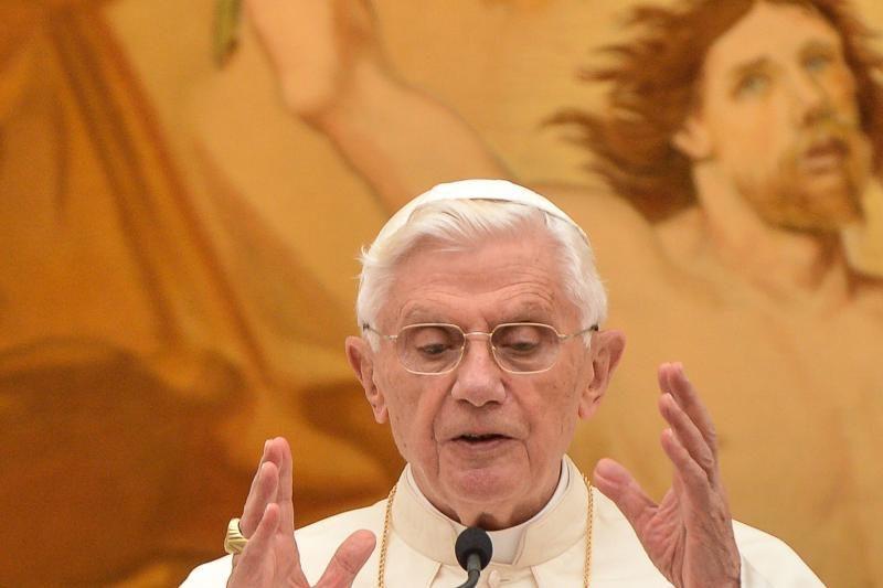 Popiežius paragins nebeginkluoti kariaujančių Sirijos šalių