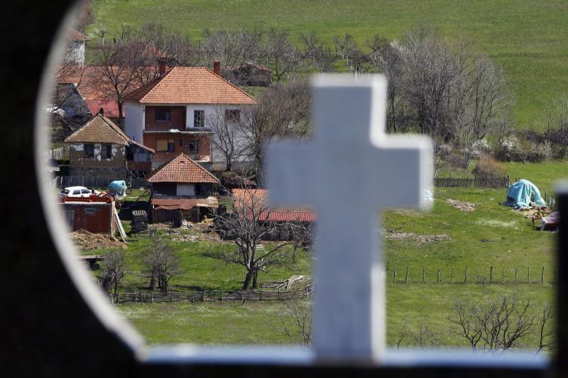 Serbijoj siautėjusio ginkluoto užpuoliko žmona pateikė žudynių detalių