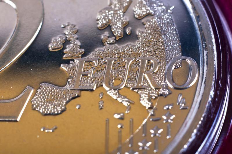 Derybas dėl ES biudžeto užgožia euro zonos problemos