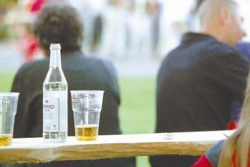 Socialinės pašalpos – išgertuvėms