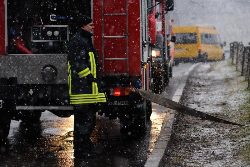 Ugniagesiai ir policija ragina per šventes pasirūpinti savo saugumu