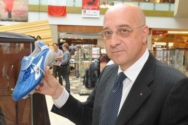 """Luciano Colosso: """"Batai – moters aprangos dalis, skirta vilioti vyrus"""""""