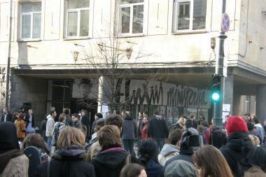 """""""Fluxus ministerijoje"""" - jaunųjų kūrėjų tapybos darbai"""