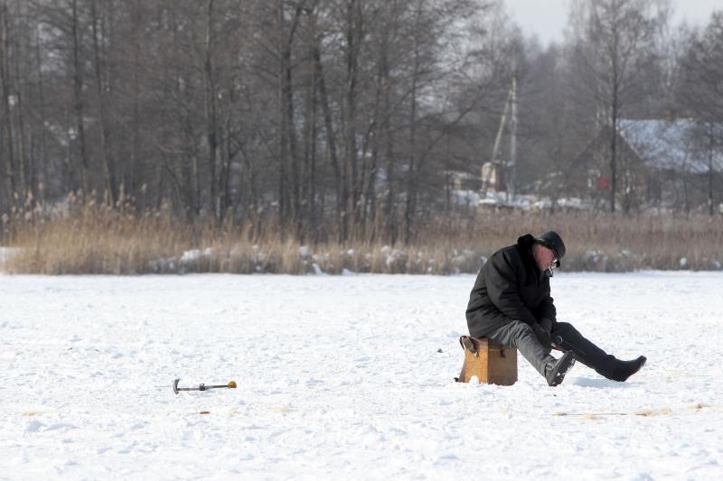 Baudų išsigandę žvejai iššlavė žūklės reikmenų parduotuves