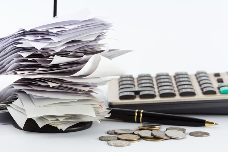 Vyriausybė atideda sprendimą dėl finansinių sandorių mokesčio