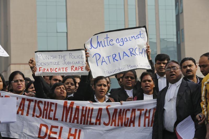 Indijoje grupė vyrų išprievartavo ir nužudė dar vieną merginą