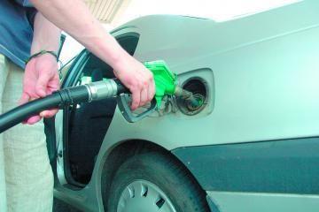Degalų kainos - galvos skausmas valdžios vyrams