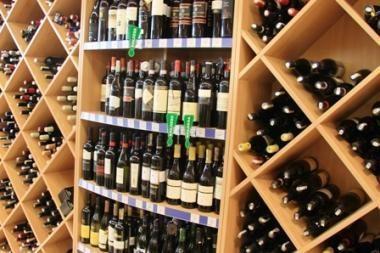 Seimas balsuos, ar ilginti prekybos alkoholiu laiką