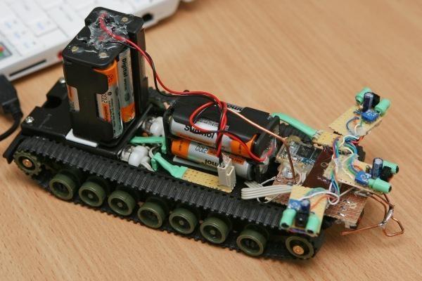 """KTU studentai sukurtus robotus pristatys """"Technoramoje"""""""