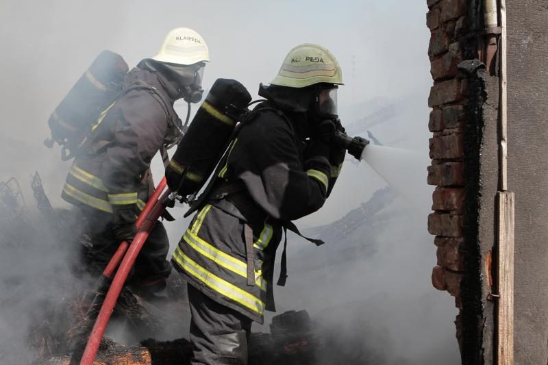 Biržų rajone gaisravietėje rasta negyva moteris (papildytas)