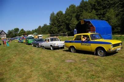 Trakuose - netradicinių automobilių suvažiavimas