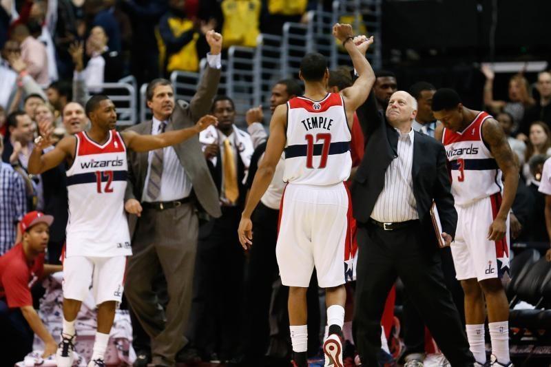 NBA: netikėti lyderių kluptelėjimai prieš lygos autsaiderius