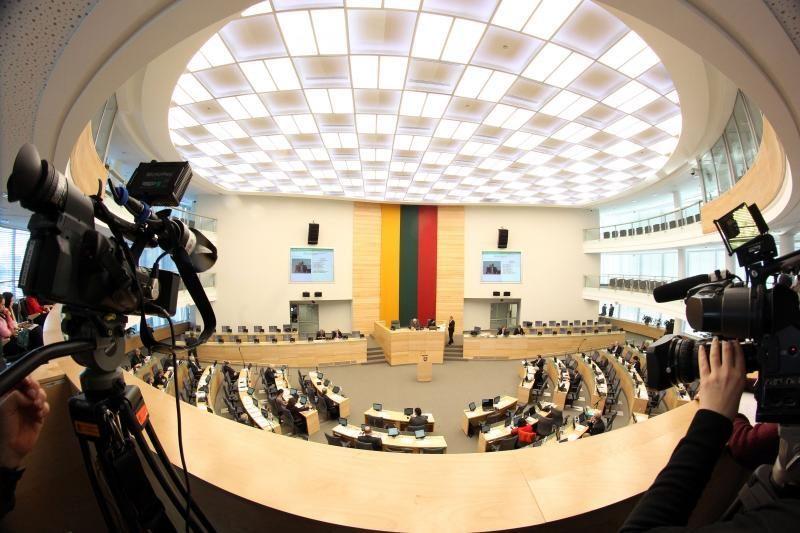 VRK patvirtino 70 vienmandačių apygardų rinkimų rezultatus (papildyta)