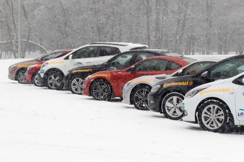 Į Lietuvą importuojami senesni automobiliai nei į Latviją ar Estiją
