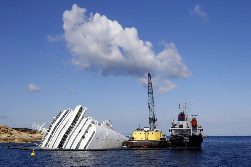 """Pradedama nagrinėti byla dėl """"Costa Concordia"""" avarijos (papildyta)"""