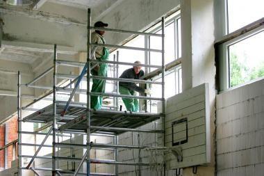 Mokinius pasitiks ne tik mokytojai, bet ir statybininkai