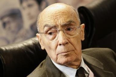 Mirė Nobelio literatūros premijos laureatas Jose Saramago