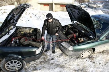 Šalčių metu neužvedančių automobilius padaugėja 3 kartus