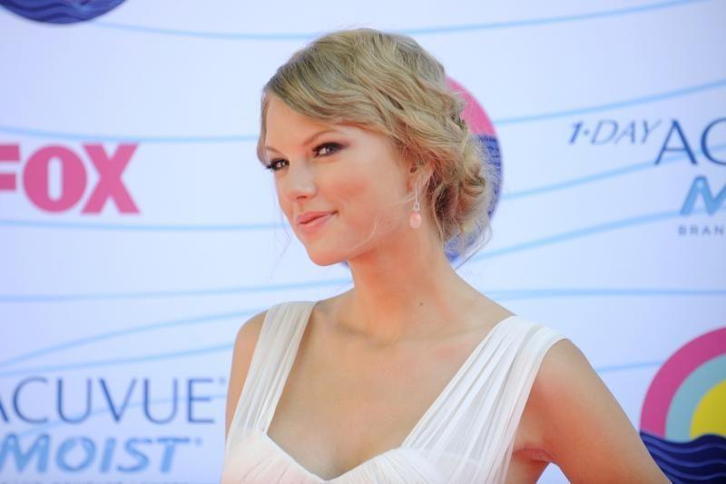 T. Swift ir H. Stylesas oficialiai pranešė apie skyrybas