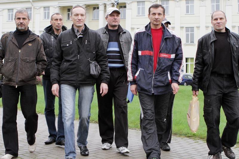 Į Klaipėdą laivus statyti atvykę ukrainiečiai išvažiavo alkani