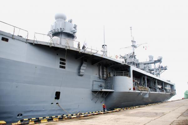 Rusų laivas nenugabeno sraigtasparnių į Siriją