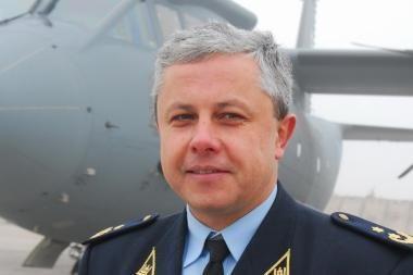 Karinių oro pajėgų Aviacijos bazei vadovaus V.Steponavičius