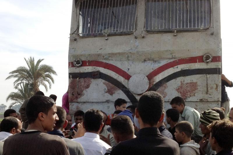 Egipte susidūrus autobusui su traukiniu žuvo 47 darželinukai