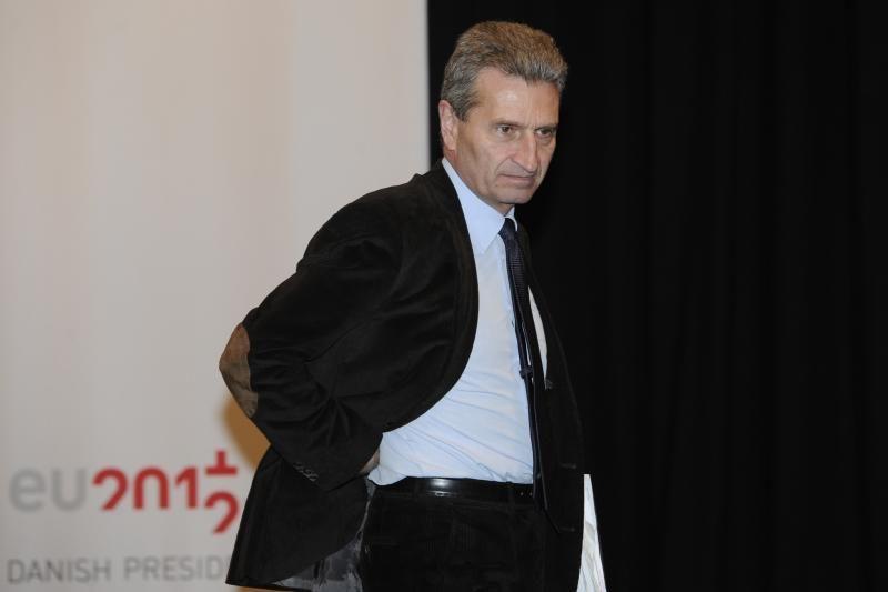 """G. Oettingeris: mes pasirengę padėti Lietuvai derybose su """"Gazprom"""""""