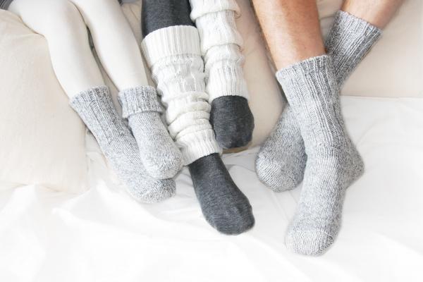 Nuteistosios afganistaniečiams numezgė beveik 300 porų kojinių