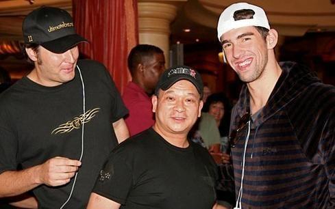 M.Phelpsą sėkmė aplankė sėdint prie pokerio stalo